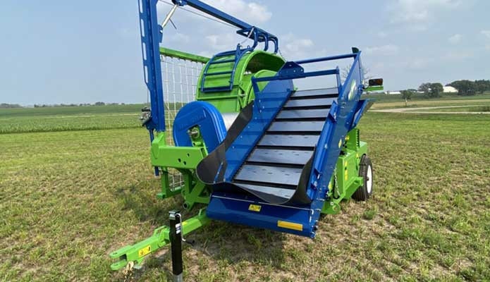 T7060 Side Conveyor in the field